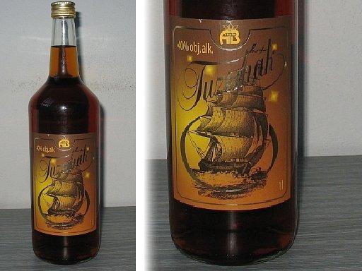 """Policie varuje před konzumací """"Tuzemáku"""" ve skleněné litrové láhvi od výrobce AB Style z Frýdku-Místku. Lahve jsou nekolkované a jejich obsah může být vysoce toxický."""