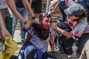 Demonstrace ve Virginii vyústily v násilí