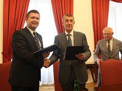 Předseda ČSSD Jan Hamáček a premiér Andrej Babiš