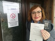 Svůj hlas do volební urny již vhodila místopředsedkyně Senátu Miluše Horská