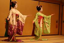 Dokonalý tanec je jedním z umění každé gejši.