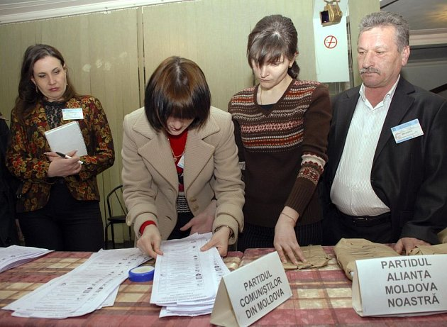 Volby v Moldávii - přepočítávání lístků