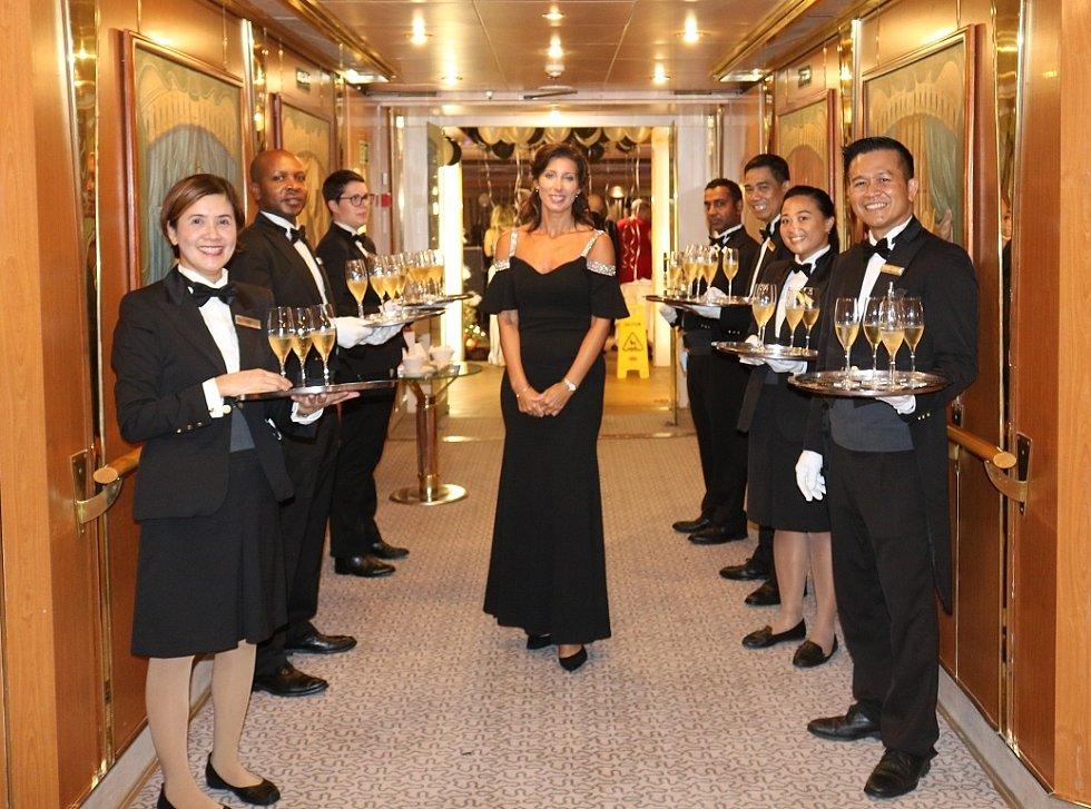 Představa o tom, že plavbu na zaoceánské lodi si mohou dovolit jen boháči, není tak úplně pravdivá, říká Kateřina Přibíková.