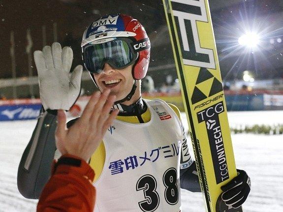 Český skokan na lyžích Jan Matura po triumfu v závodě Světového poháru v Sapporu.