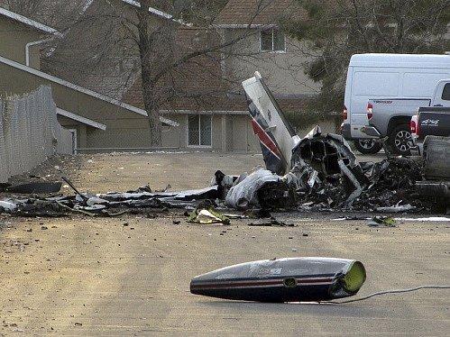V americkém státě Nevada se v pátek večer místního času zřítilo zdravotnické letadlo, v jehož troskách zahynuly všechny čtyři osoby na palubě.
