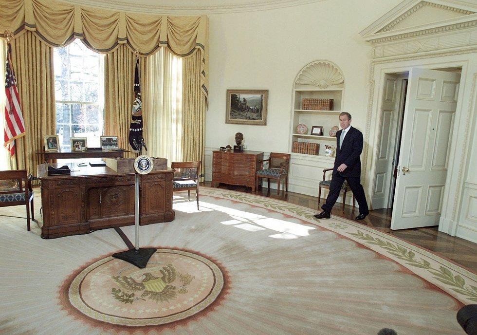 U slavného stolu během svého působení v prezidentském úřadu zasedal i George W. Bush.