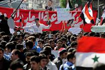 V centru Damašku se sešlo několik tisíc demonstrantů