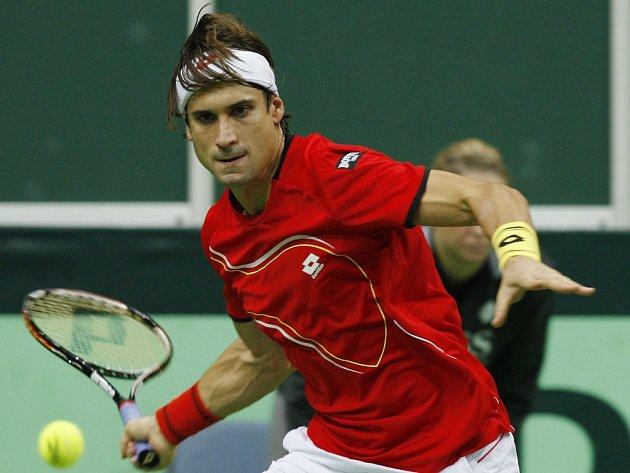David Ferrer ve finále Davis Cupu proti Tomáši Berdychovi.