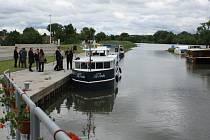 Fenoménem cestovního ruchu posledních let se stal Baťův kanál, šedesát kilometrů dlouhá unikátní vodní cesta, splavná na člunu nebo menších lodích od Otrokovic až k Hodonínu.