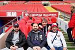 Fanoušci ze Žatce ve Wembley.