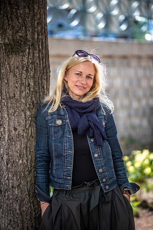 Přála jsem si být herečkou, ale nic jsem pro to nedělala. Jenom to pomyšlení, že bych někam měla jít, mě děsilo, přiznává Zita Morávková.