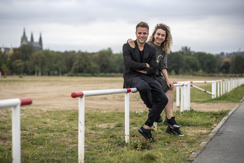 Jan Onder a Natálie Otáhalová, známí díky televizní show StarDance, spolu tančí nejen na parketu, ale už i životem.