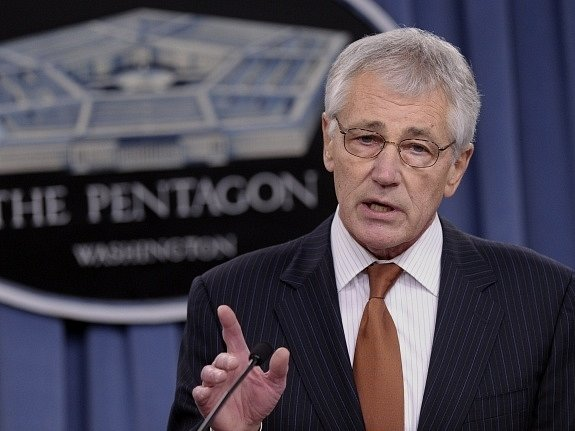 Americký ministr obrany Chuck Hagel podal demisi.
