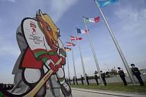 Slavnostní vyvěšování vlajek účastnických zemí mistrovství světa v ledním hokeji v Minsku.