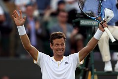 Tomáš Berdych porazil v osmifinále Wimbledonu Dominika Thiema