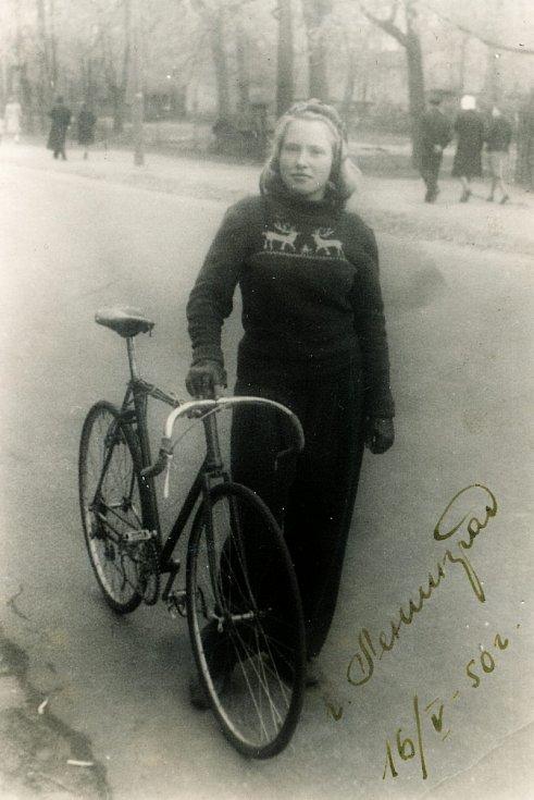 Irina Juřinová v roce 1950 v Petrohradu.