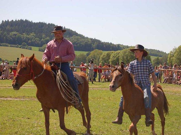 Den koní v Trní u Měčína byl plný představení s koňmi. Herec Václav Vydra se bohužel nedostavil.