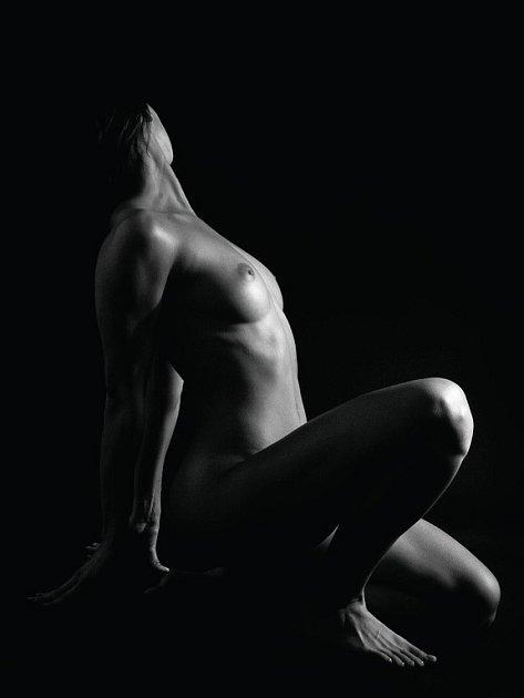 Pro akty propůjčili po antickém vzoru svá vypracovaná těla atleti pražského Olympu.