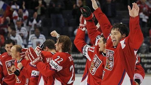 Jaromír Jágr a spol. se radují z nečekaného postupu do semifinále hokejového MS.