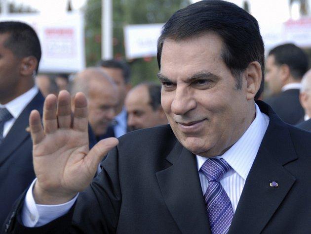 Prodej zabaveného majetku bývalého tuniského prezidenta Zína Abidína bin Alího vynesl Tunisku miliardu dínárů.