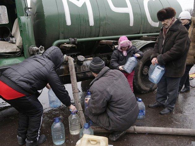Ukrajinská armáda se dnes s doněckými povstalci dohodla na zřízení humanitárních koridorů z města Debalceve, které umožní evakuovat civilisty z míst bojů. Ilustrační foto.