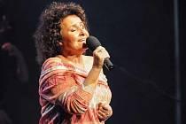 Diváci ve vyprodaném Divadle Hybernia ocenili potleskem vestoje jedinečný koncert Jitky Zelenkové.