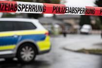 Německá policie uzavřela místo činu policejní páskou.