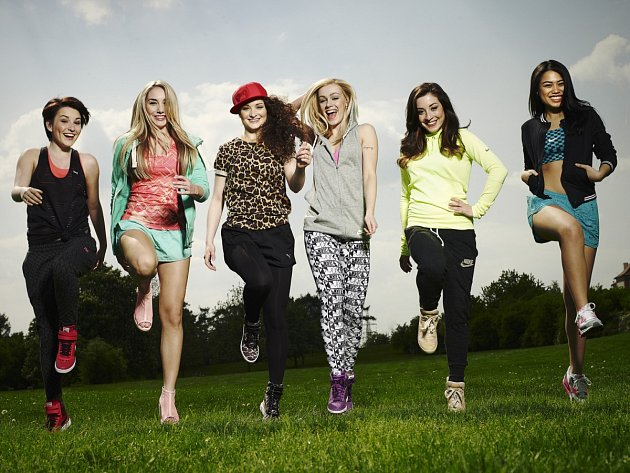 Zleva: Karolina, Anna, Elly, Angeé, Barbora a Ivy.