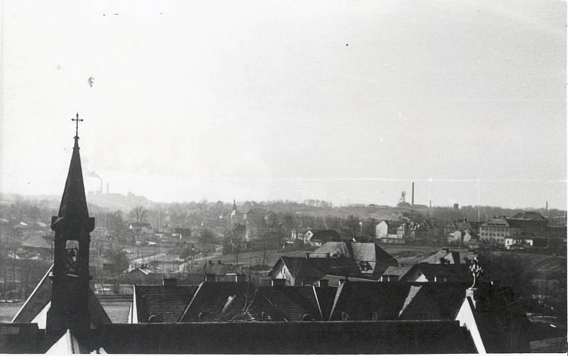 Pohled na město Karviná s doly v pozadí