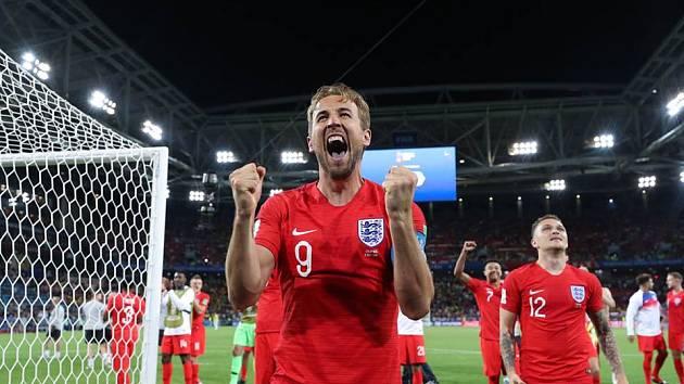 Harry Kane slaví postup do čtvrtfinále.