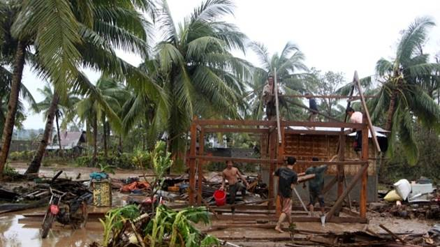 Tajfun Bopha si na Filipínách vyžádal mnoho lidských životů.