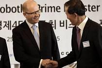 Premiér Sobotka na návštěvě Jižní Korey