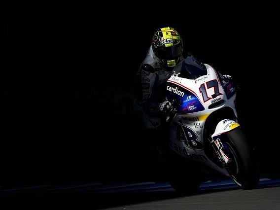 Český motocyklista Karel Abraham.