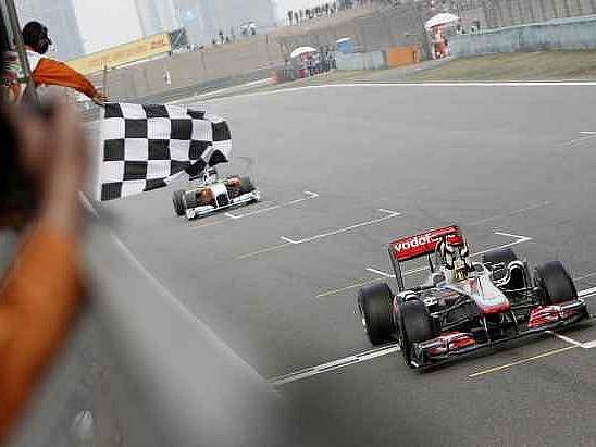 Lewis Hamilton vyhrál Velkou cenu Číny v Šanghaji.