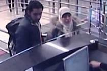 Hayat Boumeddieneová  je dnes nejhledanější teroristkou na světě.
