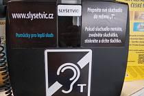 Komunikátor na pobočce pošty v pražských Kobylisích