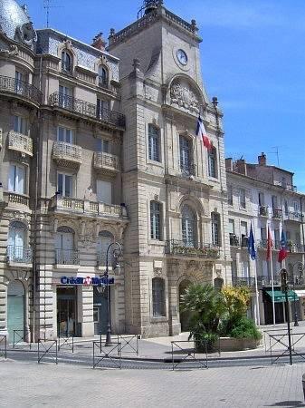 Radnice ve městě Béziers na jihu Francie stála u zrodu hoaxu, že v západních zemích se kvůli migraci zakazuje vystavovat jesličky