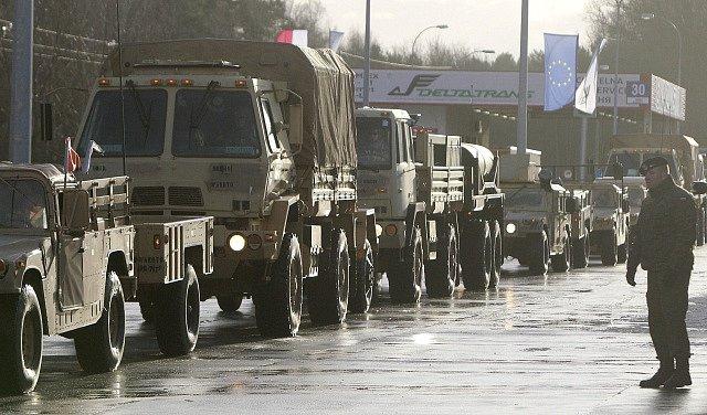 Americký vojenský konvoj v Polsku