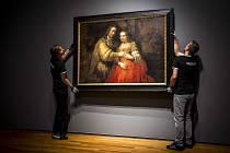 Rembrandtův obraz Židovská nevěsta v amsterdamském Rijksmuseu