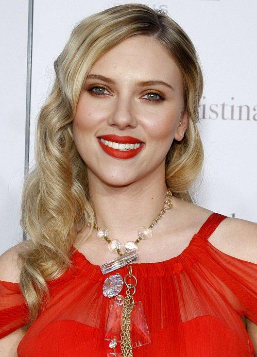 Mezi kritiky Zlatých glóbů patří i Scarlett Johansson.