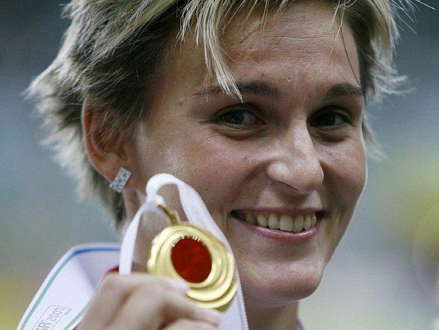 S MEDAILÍ. Barbora Špotáková po zlaté dekoraci. Bude jí titul mistryně světa v hodu oštěpem stačit na vítězství v anketě Sportovec roku?