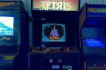 Tetris na herním automatu Sega z roku 1988