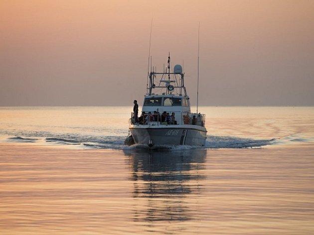 U tureckého pobřeží se při pokusu dostat se po moři do Řecka utopilo pět lidí.