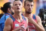 Členové sprinterské štafety Jan Veleba a Zdeněk Stromšík (vpravo) při loňském ME v Berlíně.
