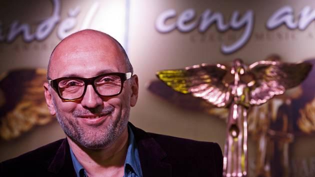 Pořadatel hudebních cen Anděl 2013 Lešek Wronka na tiskové konferenci 25. března v Praze.