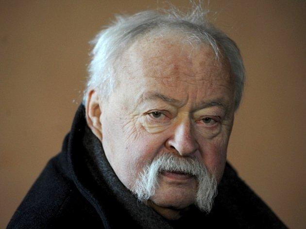 Známý grafik Oldřich Kulhánek.