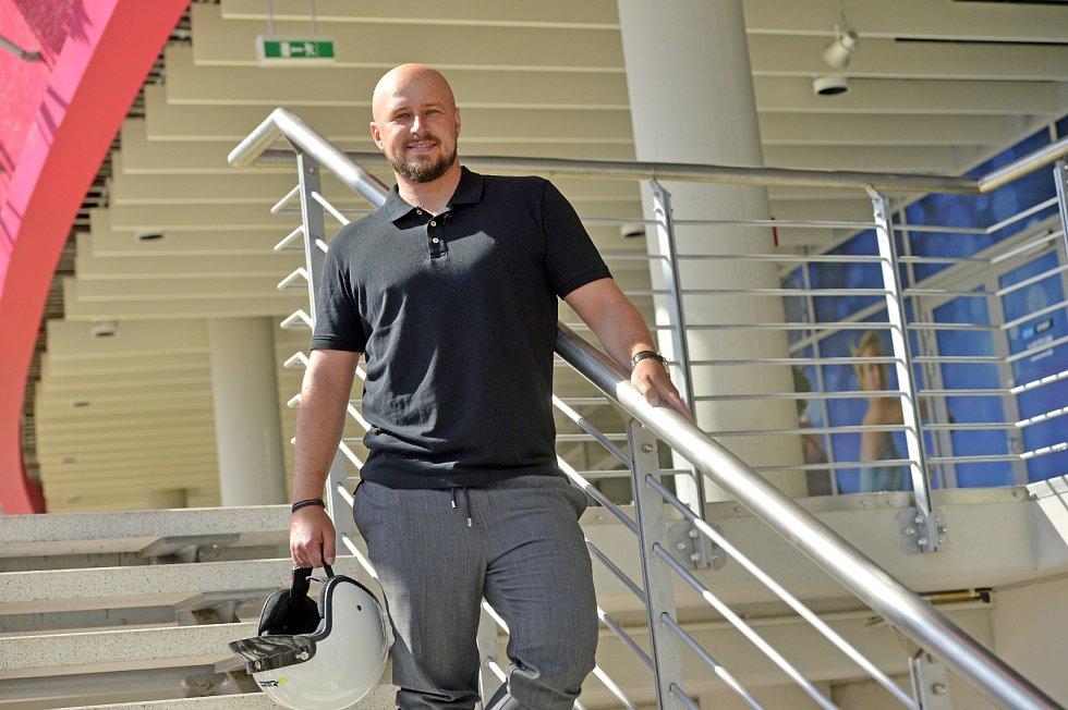 Televizní reportér David Sobišek je doma v O2 areně