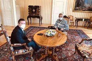 Prezident Miloš Zeman přivítal v Lánech ministra vnitra Jana Hamáčka
