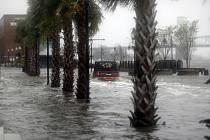 Hurikán Florence udeřil v Severní Karolíně. Doprovází jej záplavy