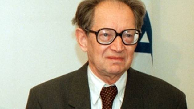 V Praze ve čtvrtek 25. února 2016 ve věku 94 let zemřel historik, účastník protinacistického odboje a jeden z mluvčích Charty 77 Miloš Hájek.